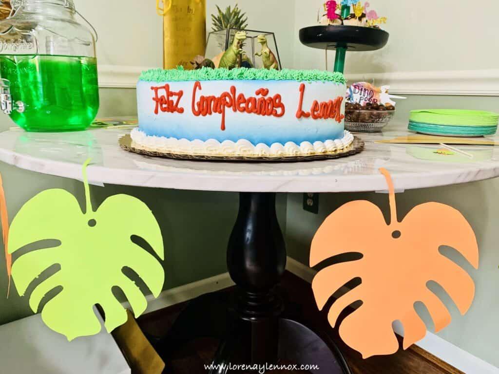 DIY Ideas for a Dinosaur-Themed Birthday Party. #Dinosaurparty #birthdayideas