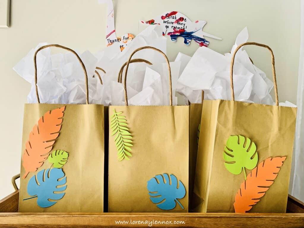 Dinosaur Goody Bags. DIY Ideas for a Dinosaur-Themed Birthday Party. #Dinosaurparty #birthdayideas
